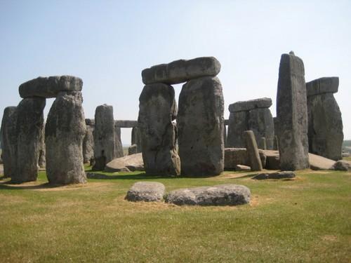 Initiation au féminin sacré à Stonehenge
