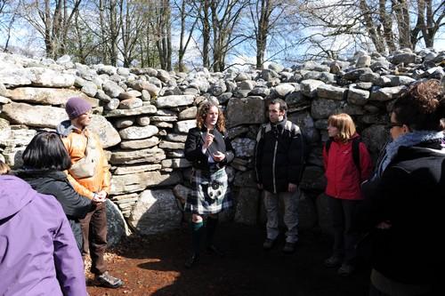 Initiations avec les menhirs et dolmens